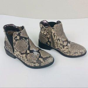 Steve Madden Cade Snake Print Chelsea  Ankle Boots